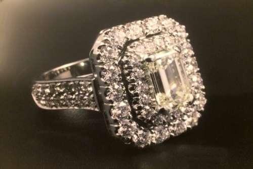 Anello con Diamante ottagonale - Ring diamond emerald cut